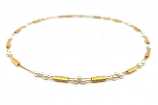 "Halsreif ""Perlen und Silberelemente"" goldplattiert"