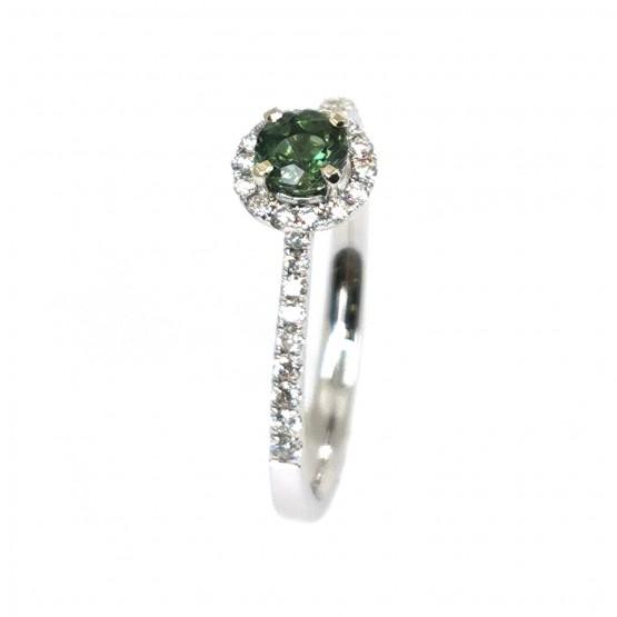 Leuchtender grüner Saphir Brillantring